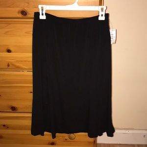 🆕 Black mid skirt
